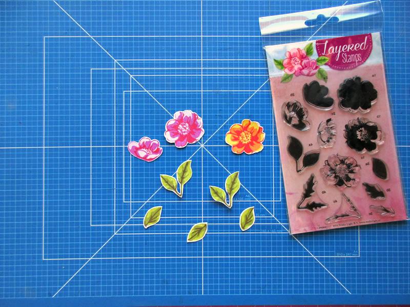 Hojas y flores estampadas con los sellos por capas de Studio Light nº4