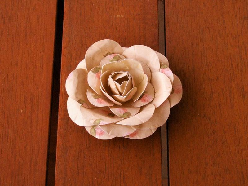 tutorial para hacer flores de papel con troqueladoras
